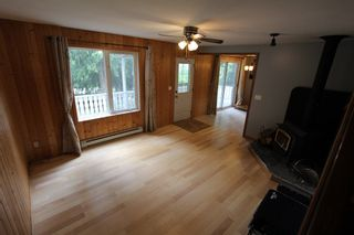 Photo 3: 7221 Birch Close in Anglemont: North Shuswap House for sale (Shuswap)  : MLS®# 10208181