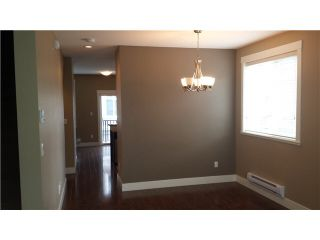 """Photo 4: 30 8418 163 Street in Surrey: Fleetwood Tynehead Townhouse for sale in """"MAPLE ON 84"""" : MLS®# F1447562"""