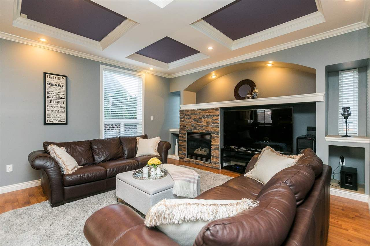 """Main Photo: 6111 164A Street in Surrey: Cloverdale BC House for sale in """"West Cloverdale"""" (Cloverdale)  : MLS®# R2332247"""