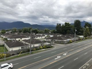 """Photo 8: 317 8531 YOUNG Road in Chilliwack: Chilliwack W Young-Well Condo for sale in """"AUBURN RETIREMENT RESIDENCES"""" : MLS®# R2473057"""