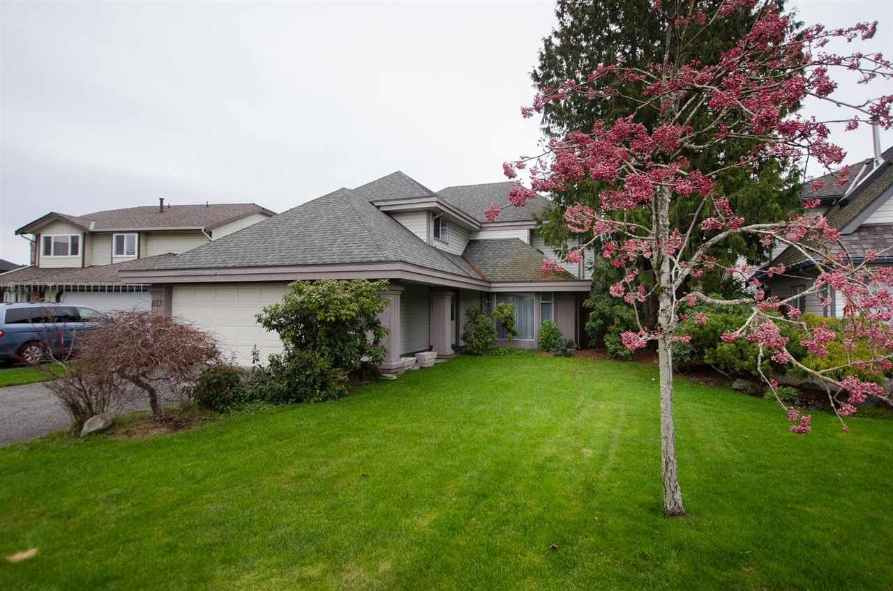 """Photo 17: Photos: 6378 45B Avenue in Delta: Holly House for sale in """"HOLLY"""" (Ladner)  : MLS®# R2338172"""