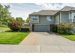 """Photo 3: 12007 S BOUNDARY Drive in Surrey: Panorama Ridge Townhouse for sale in """"Southlake Townhomes"""" : MLS®# R2465331"""