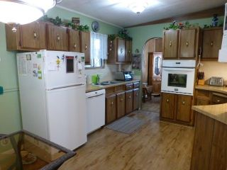 """Photo 4: 31 2305 200 Street in Langley: Brookswood Langley Manufactured Home for sale in """"Cedar Lane"""" : MLS®# R2223523"""
