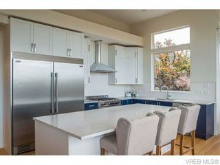 Photo 8: 1602 lloyd Pl in VICTORIA: VR Six Mile House for sale (View Royal)  : MLS®# 745159