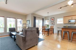Photo 16: 23 Newstead Cres in VICTORIA: VR Hospital House for sale (View Royal)  : MLS®# 814303
