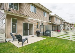 """Photo 2: 9 34230 ELMWOOD Drive in Abbotsford: Central Abbotsford Townhouse for sale in """"Ten Oaks"""" : MLS®# R2386873"""