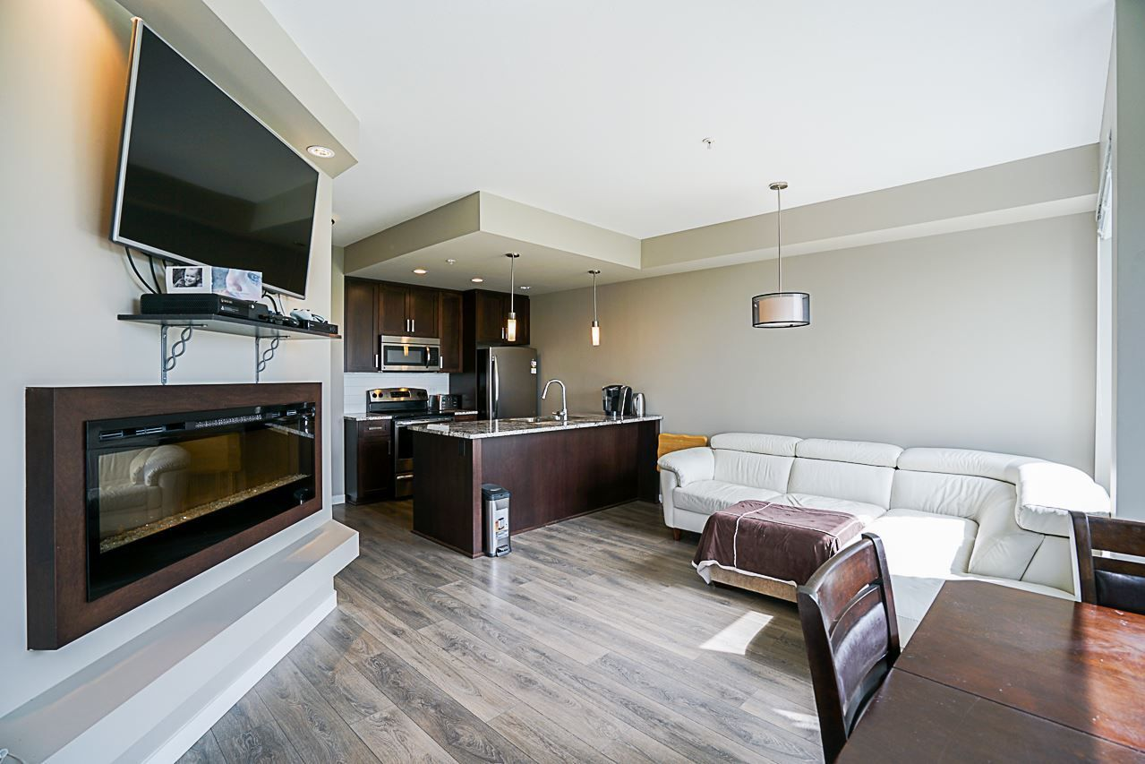 """Photo 8: Photos: 301 2238 WHATCOM Road in Abbotsford: Abbotsford East Condo for sale in """"Waterleaf"""" : MLS®# R2276818"""