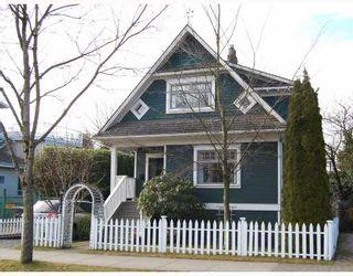 "Photo 1: 3049 ONTARIO Street in Vancouver: Mount Pleasant VW House for sale in ""MOUNT PLEASANT"" (Vancouver West)  : MLS®# V753820"