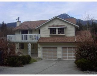 Photo 1: 1717 YMCA Road in Gibsons: Gibsons & Area House for sale (Sunshine Coast)  : MLS®# V698561