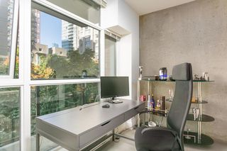 """Photo 8: 307 988 RICHARDS Street in Vancouver: Yaletown Condo for sale in """"TRIBECA"""" (Vancouver West)  : MLS®# R2202048"""