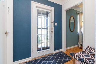 Photo 2: 3855 Seaton St in VICTORIA: SW Tillicum House for sale (Saanich West)  : MLS®# 793138