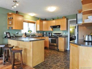 Photo 2: 1799 SPRUCE Way in COMOX: Z2 Comox (Town of) House for sale (Zone 2 - Comox Valley)  : MLS®# 633581