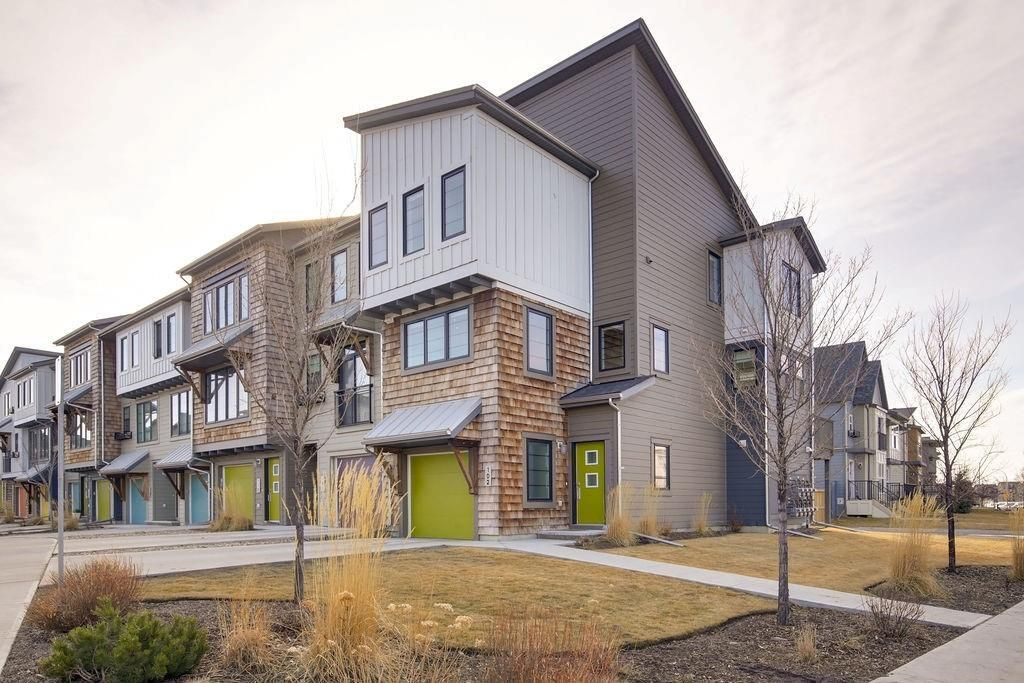 Main Photo: 102 WALDEN Circle SE in Calgary: Walden Row/Townhouse for sale : MLS®# C4236835