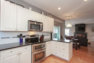 """Photo 13: 6568 CLAYTONWOOD Place in Surrey: Cloverdale BC House for sale in """"Clayton Hill"""" (Cloverdale)  : MLS®# R2327145"""
