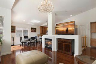 Photo 5: CARLSBAD SOUTH Condo for sale : 2 bedrooms : 6377 Alexandri Cir in Carlsbad