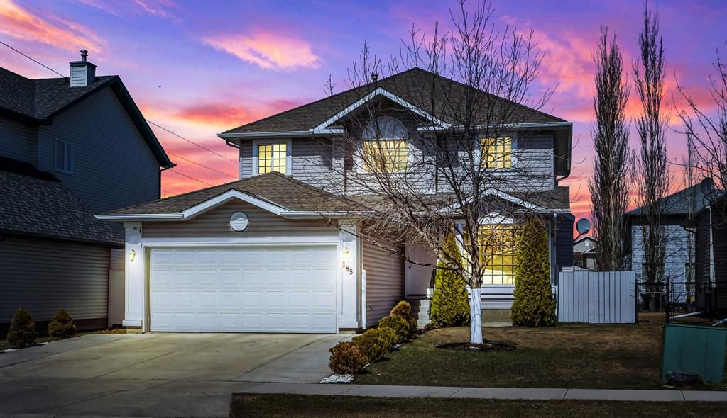 Main Photo: 185 West Lakeview Drive: Chestermere Detached for sale : MLS®# A1096028