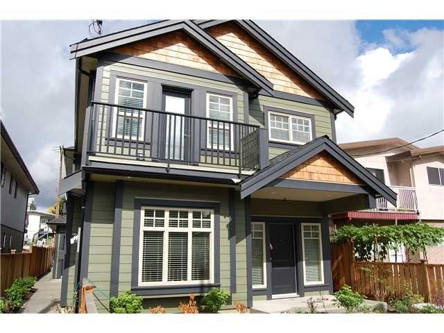 """Main Photo: 1777 E 12TH Avenue in Vancouver: Grandview VE 1/2 Duplex for sale in """"GRANDVIEW"""" (Vancouver East)  : MLS®# V851693"""