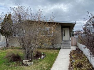 Photo 2: 2039 50 Avenue SW in Calgary: North Glenmore Park Semi Detached for sale : MLS®# C4295796