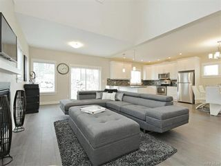 Photo 4: 2386 Lund Rd in VICTORIA: VR Six Mile House for sale (View Royal)  : MLS®# 746517