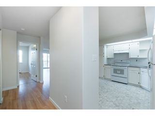 """Photo 3: 215 31930 OLD YALE Road in Abbotsford: Abbotsford West Condo for sale in """"ROYAL COURT"""" : MLS®# R2421302"""