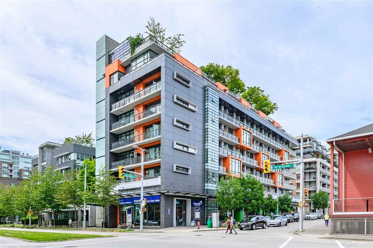 "Main Photo: 703 123 W 1ST Avenue in Vancouver: False Creek Condo for sale in ""Compass"" (Vancouver West)  : MLS®# R2404404"
