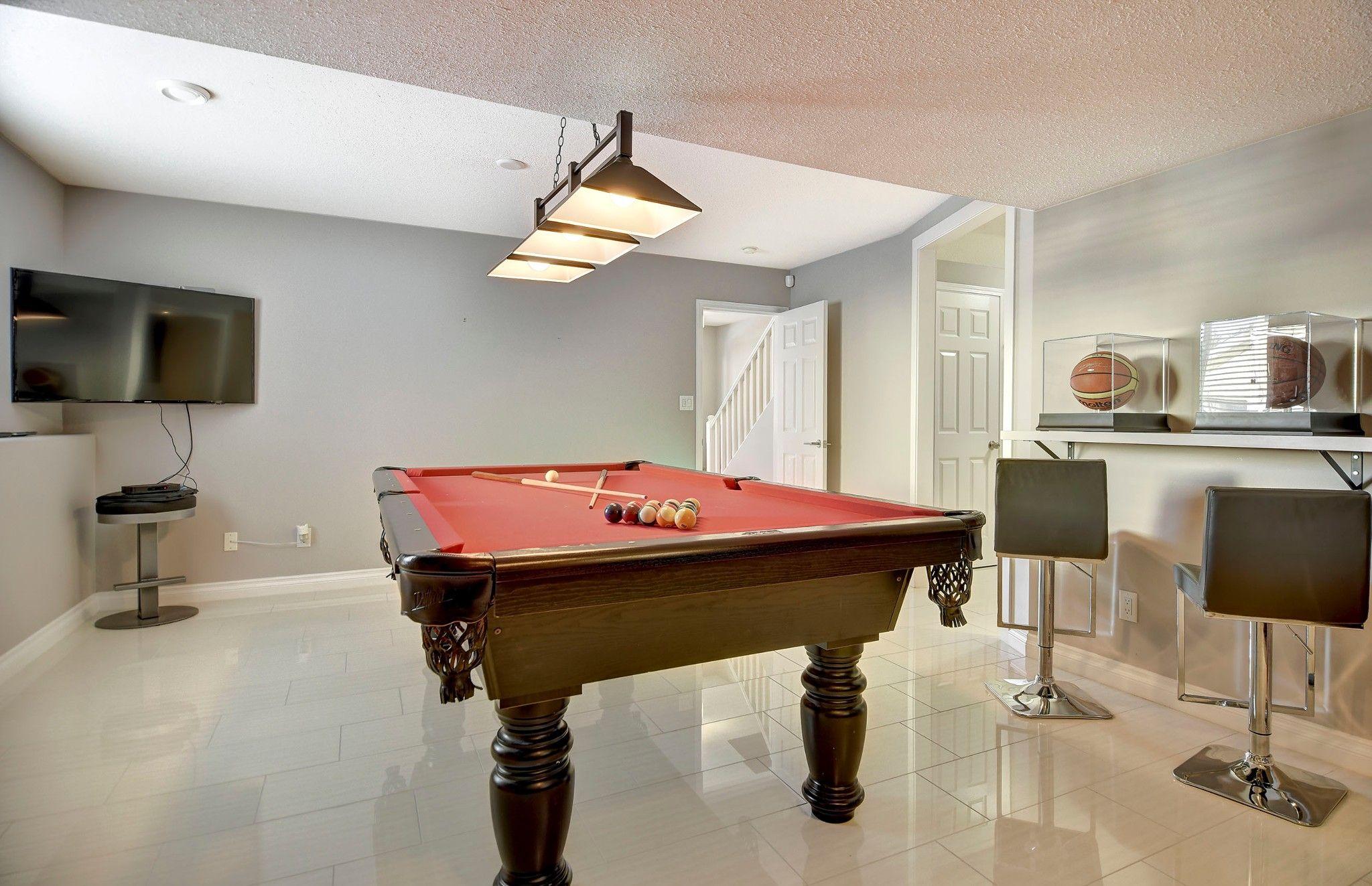 Photo 12: Photos: 270 Magic Drive in Kelowna: House for sale : MLS®# 10200191