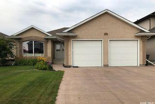 Photo 1: 818 Denham Crescent in Saskatoon: Hampton Village Residential for sale : MLS®# SK870822