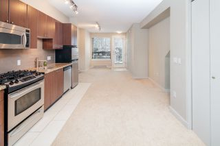 """Photo 7: 17 1863 WESBROOK Mall in Vancouver: University VW Townhouse for sale in """"ESSE"""" (Vancouver West)  : MLS®# R2341458"""