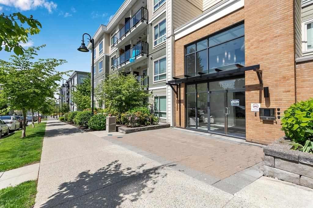 Main Photo: 410 13789 107A Avenue in Surrey: Whalley Condo for sale (North Surrey)  : MLS®# R2578816
