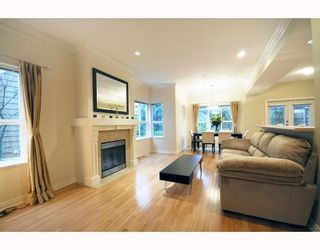 "Photo 3: 27 2688 MOUNTAIN Highway in North Vancouver: Westlynn Townhouse for sale in ""Craftsman Estates"" : MLS®# V799133"