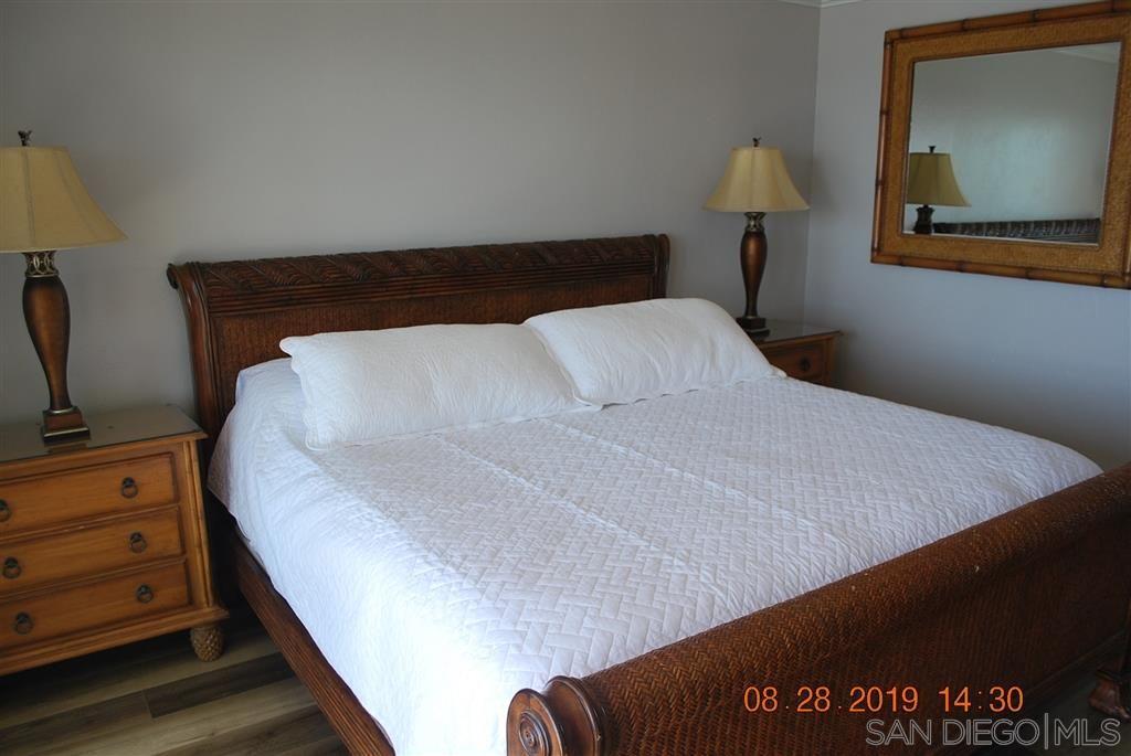 Photo 16: Photos: PACIFIC BEACH Condo for sale : 2 bedrooms : 4767 Ocean Blvd. #801 in San Diego
