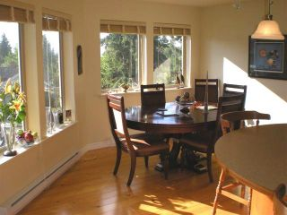 Photo 5: #308  1695 Comox Ave., in Comox: Condo for sale (FVREB Out of Town)  : MLS®# 284902