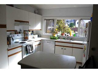 """Photo 4: 956 W 21ST Avenue in Vancouver: Cambie House for sale in """"CAMBIE VILLAGE"""" (Vancouver West)  : MLS®# V1033057"""