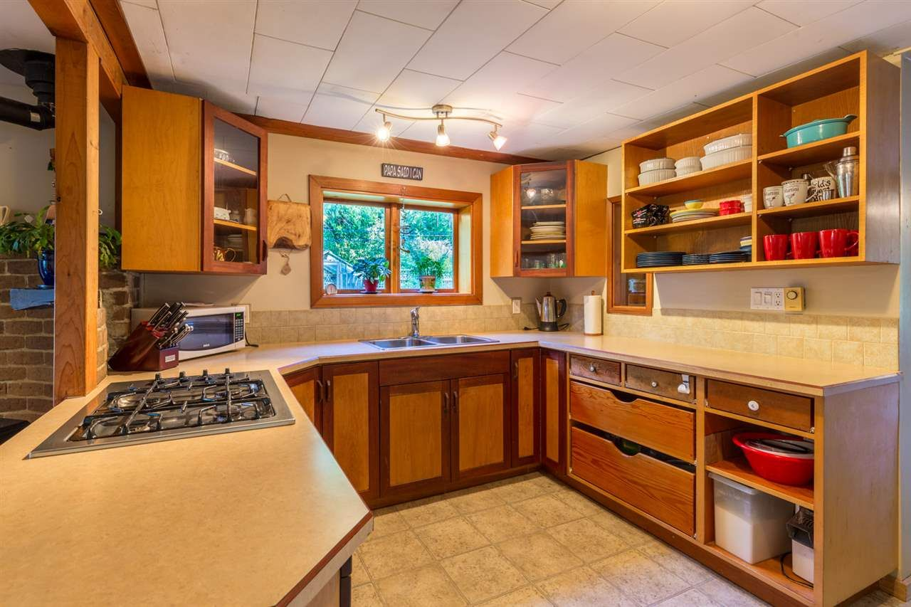 Photo 10: Photos: 1258 ROBERTS CREEK Road: Roberts Creek House for sale (Sunshine Coast)  : MLS®# R2116447