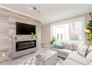 """Photo 4: 209 16488 64 Avenue in Surrey: Cloverdale BC Townhouse for sale in """"Harvest"""" (Cloverdale)  : MLS®# R2376091"""