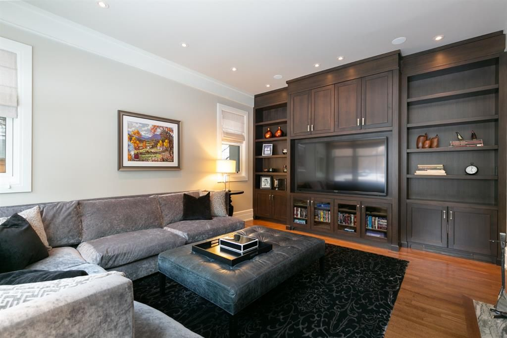 Photo 6: Photos: 1420 Beverley Place SW in Calgary: Bel-Aire Detached for sale : MLS®# A1060007
