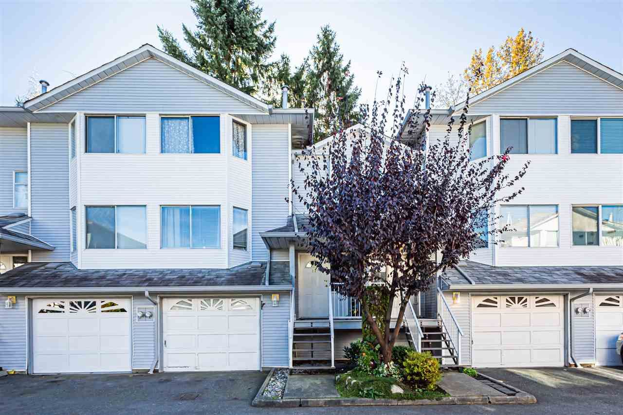 Main Photo: 17 3087 IMMEL STREET in Abbotsford: Central Abbotsford Townhouse for sale : MLS®# R2416610