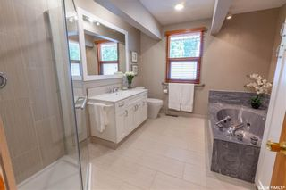 Photo 25: 220 Lake Crescent in Saskatoon: Grosvenor Park Residential for sale : MLS®# SK744275
