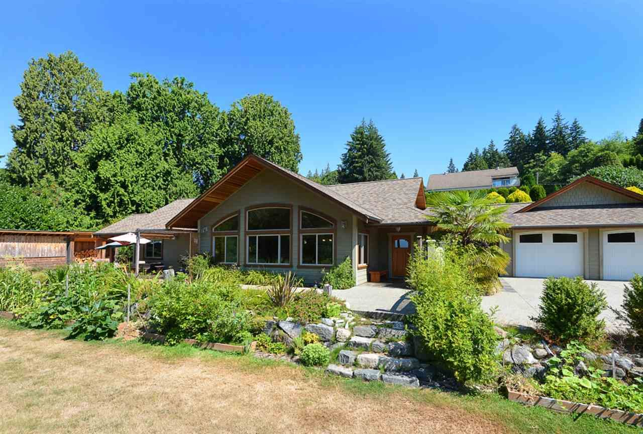 Photo 1: Photos: 505 MAPLE Street in Gibsons: Gibsons & Area House for sale (Sunshine Coast)  : MLS®# R2293109