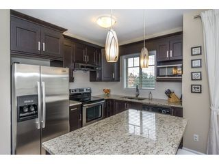 """Photo 10: 72 7121 192 Street in Surrey: Clayton Townhouse for sale in """"ALLEGRO"""" (Cloverdale)  : MLS®# R2212917"""