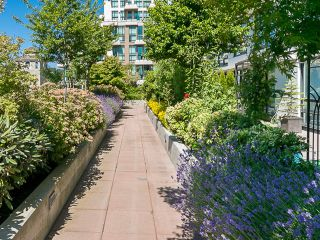 Photo 15: 1808 1 RENAISSANCE Square in New Westminster: Quay Condo for sale : MLS®# V1131981