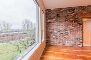 """Photo 8: 208 250 SALTER Street in New Westminster: Queensborough Condo for sale in """"PADDLERS LANDING"""" : MLS®# R2542712"""