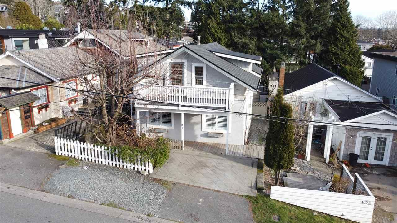 """Main Photo: 928 FINLAY Street: White Rock House for sale in """"Eastbeach"""" (South Surrey White Rock)  : MLS®# R2556381"""