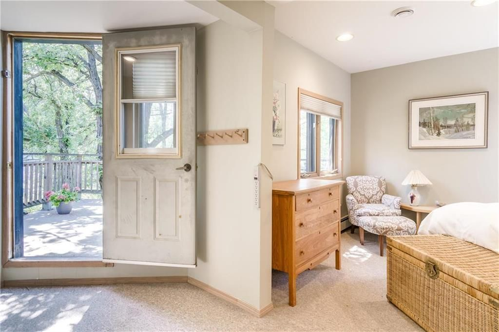 Photo 27: Photos: 906 North Drive in Winnipeg: East Fort Garry Residential for sale (1J)  : MLS®# 202116251