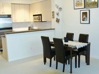 Photo 4: 62 6878 SOUTHPOINT Drive in Burnaby: South Slope Condo for sale (Burnaby South)  : MLS®# V997630