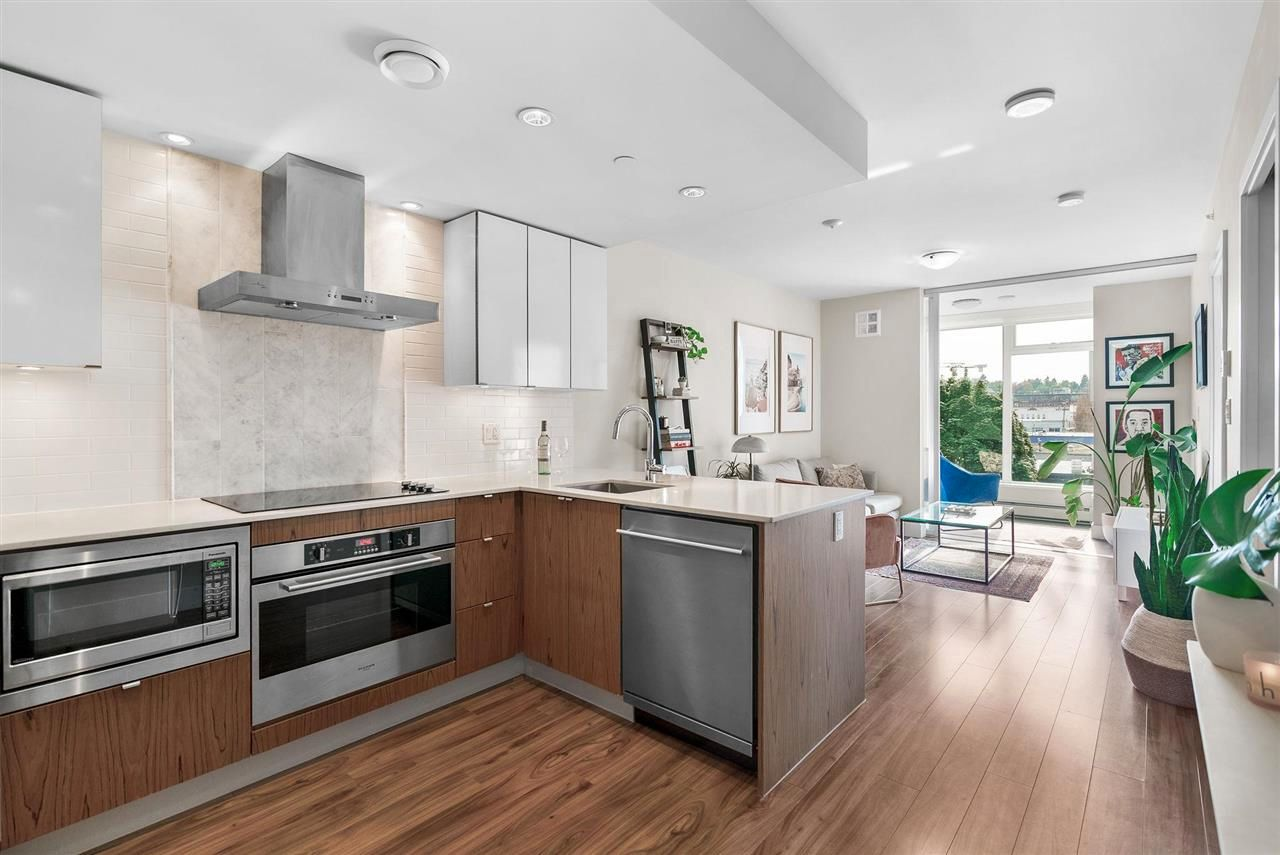 """Main Photo: 510 159 W 2ND Avenue in Vancouver: False Creek Condo for sale in """"Tower Green At West"""" (Vancouver West)  : MLS®# R2589998"""