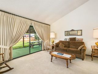 Photo 10: House for sale : 4 bedrooms : 2704 Crownpoint Place in Escondido