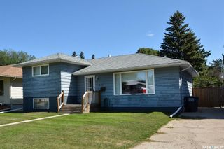 Photo 1: 436 R Avenue North in Saskatoon: Mount Royal SA Residential for sale : MLS®# SK866749