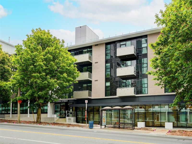 FEATURED LISTING: 316 - 1411 Cook St