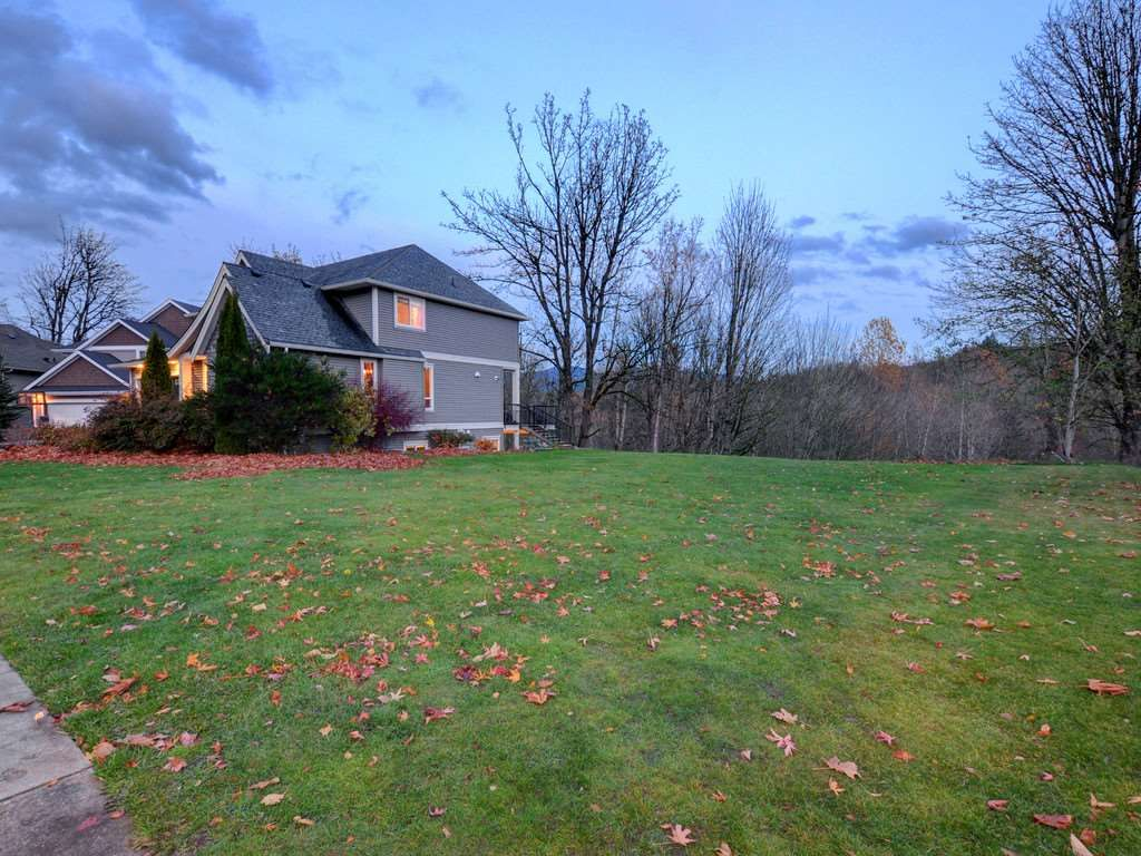 """Photo 3: Photos: 3998 CAVES Court in Abbotsford: Abbotsford East House for sale in """"SANDY HILL"""" : MLS®# R2222568"""